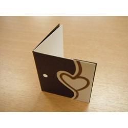 étiquettes à dragées «cœur imprimé cœur marron dans cadre»   (les 24)