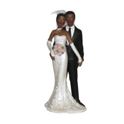 sujet mariés noirs se tenant la main